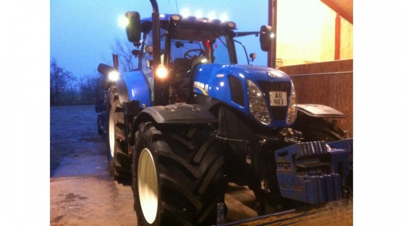 New Holland T7-270 Key model