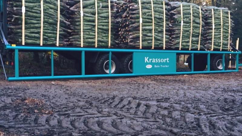 Transport af juletræspaller og halm