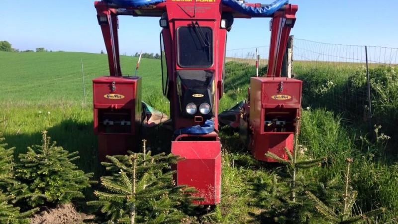 Portaltraktor:Sprøjtning, stampklipning og gødskning